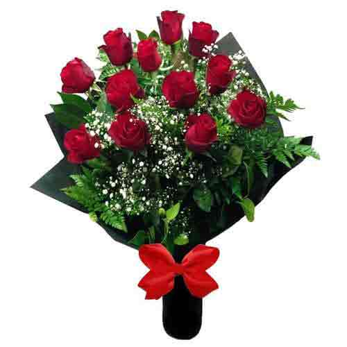 Eye-Catching Forever in Love Bouquet of 12 Long stemmed Red Roses