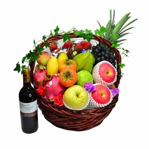 Delicious Mix Fruits Hamper with Sparkling Wine