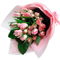 Fragrant 10 Holland Tulips Bouquet for Valentines Day Occasion