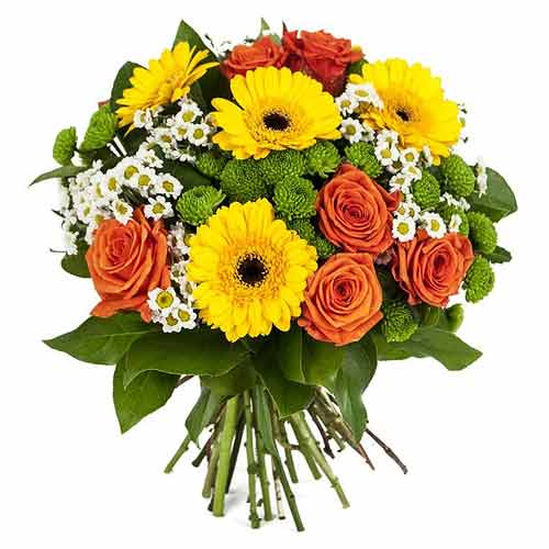 Eye-Catching Fresh Seasonal Flowers Bouquet with Impressions of Love
