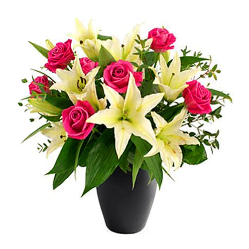 Beautiful Bouquet of Lilies and Roses