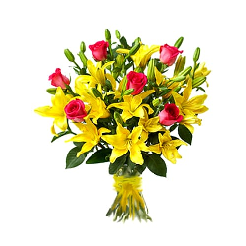 Lovely Bouquet of Lilies and Roses