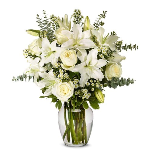 Mesmerizing Pure Expressive Love Lilies in Vase to CausewayBay