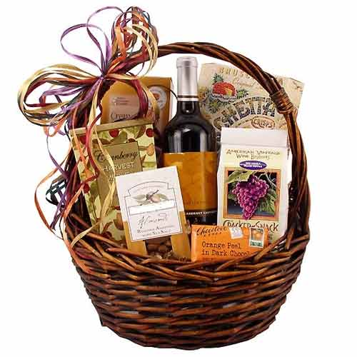 Incredibly Smart Big Gourmet and Wine Hamper with Eternal Love