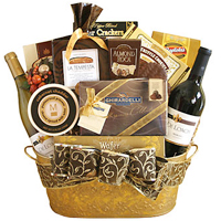 Dynamic and Large Gourmet with Wine Hamper for Fun Time