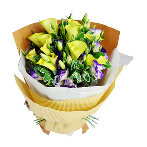 Elegant Colorful Wishes 10 Calla Lilies and 10 Roses Bouquet
