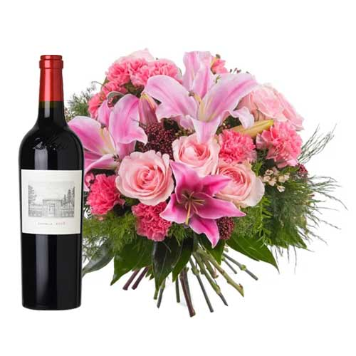 Extravagant Red Wine and Mixed Bouquet for Sweet Celebration
