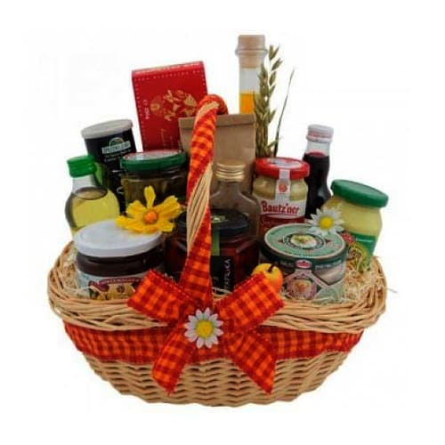 Incredibly Smart Gourmet Supreme Hamper with Heart of Love