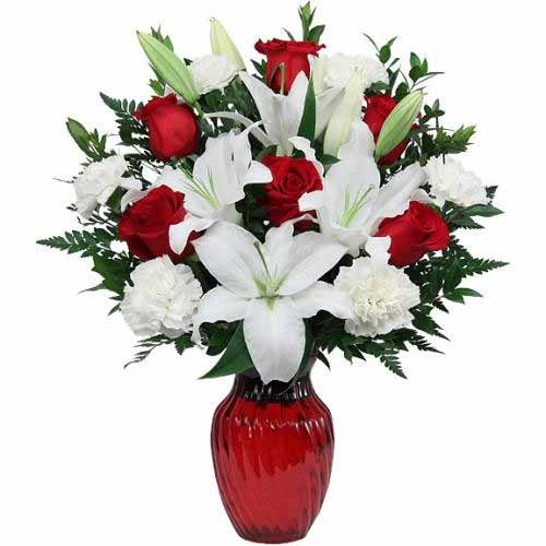 Distinctive Blooming Beauty of 6 Roses and 5 White Lilis Bouquet