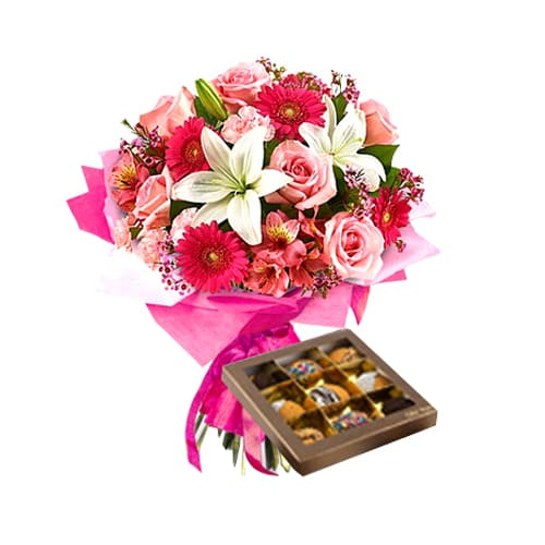 Sophisticated Forever in Love Mixed Flower Bouquet with Biscuits