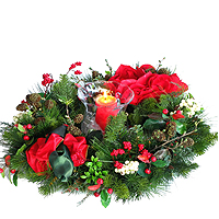 Attention-Getting Seasonal Flowers Wreath